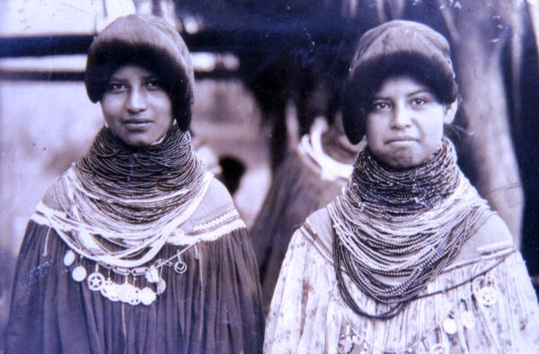 1962 copy of early picture of Seminole girls