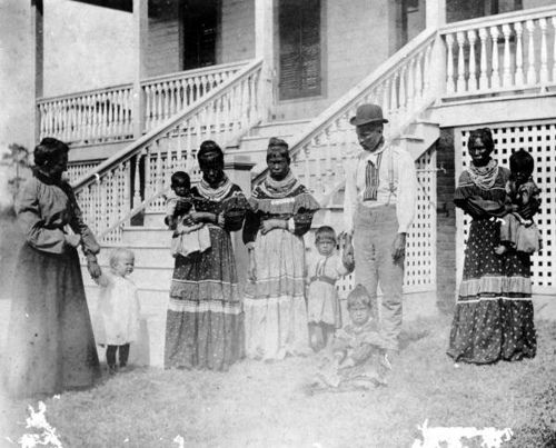 Seminole family in Miami 1904